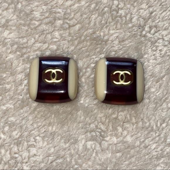 CHANEL Jewelry - Chanel Vintage Logo Resin Clip On Earrings